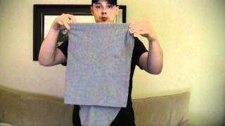 getlinkyoutube.com-Super Fast T-Shirt Fold (Standing)