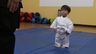 getlinkyoutube.com-Will's First Karate Lesson | The Little Couple
