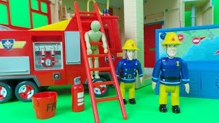 getlinkyoutube.com-NEW Fireman Sam Electronic PONTYPANDY Fire Station from Heroes of the Storm unboxing