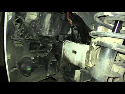 Как заменить штатную лампу передних габаритов'ангель ские глазки' на BMW 320 E90