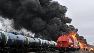 getlinkyoutube.com-MOST BRUTAL TRAIN CRASHES 2013