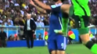 Mundial Brasil 2014. Escandaloso penal no cobrado al argentino Higuaín
