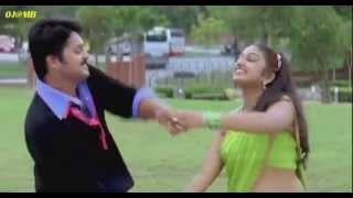 Mithra Kurian first time clear Saree Navel