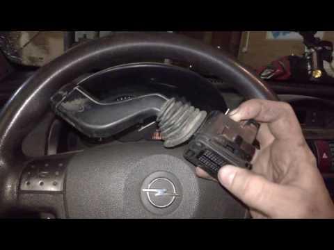Opel Corsa C Замена рычага указателя поворотников, хотел установить рычаг от предыдущего кузова, не