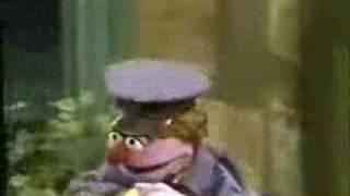 getlinkyoutube.com-Sesame Street - I Love My Elbows
