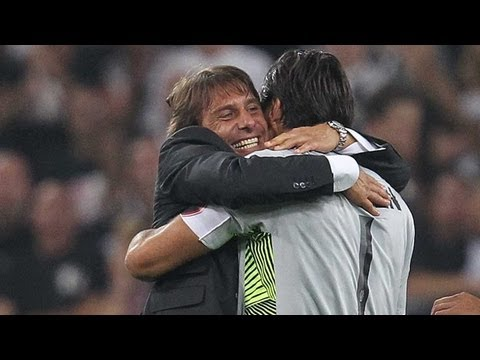 Juventus-Milan 2-0. Conte e i bianconeri festeggiano - Conte and the Bianconeri celebrating