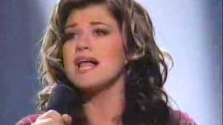 getlinkyoutube.com-Kelly Clarkson - A Moment Like This (Winning Performance)