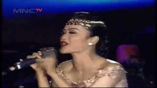 "getlinkyoutube.com-Julia Perez "" Aku Mah Gitu Orangnya "" - MNCTV Roadshow Gresik (6/6)"