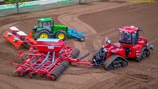 getlinkyoutube.com-RC Tractors John Deere, Case and Fendt at work! Siku Farmland in Neumünster, Germany.