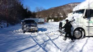 getlinkyoutube.com-Ford f350 pulls out a trailer from the snow,