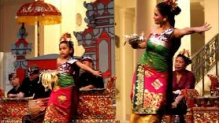 getlinkyoutube.com-Tari pendet (Balinese dance)