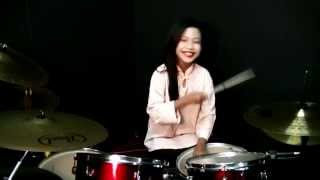 getlinkyoutube.com-SENARIO - Joget Toleh Menoleh Drum Cover - Nur Amira Syahira