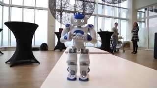 Zorgrobot Zora Symbool Voor Digitalisering In De Zorgsector