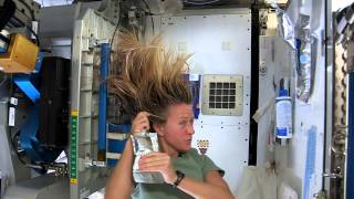 getlinkyoutube.com-Karen Nyberg Shows How You Wash Hair in Space