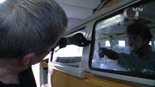 getlinkyoutube.com-Combi VW, pose d'une vitre arrière par QW Custom
