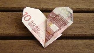getlinkyoutube.com-Geldscheine Falten Herz - Geldgeschenke zur Hochzeit basteln - Geld falten