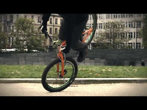 Danny MacAskill how to: G-Turn - presented by digdeep no 4 of 4
