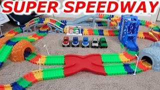 SUPER SNAP SPEEDWAY 2 CAR and MONSTER TRUCK RACING RACE TRACK