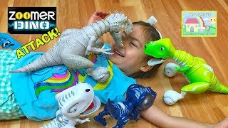 getlinkyoutube.com-COOL JURASSIC WORLD INDOMINUS REX ATTACKS LITTLE GIRL Toy Chomplingz Zoomer Boomer JW Surprise Toys