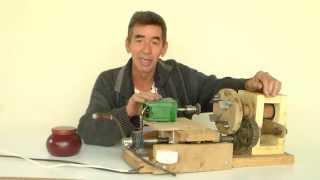 getlinkyoutube.com-Torno p\ tornear madeiras e ferro de forma artesanal