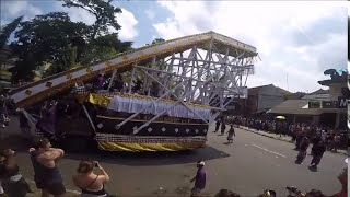 getlinkyoutube.com-Royal Cremation Ceremony Ubud Bali May 8, 2016