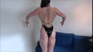getlinkyoutube.com-Maria Wattel, Amazon woman 6''1  flexing and posing muscles to check her form.