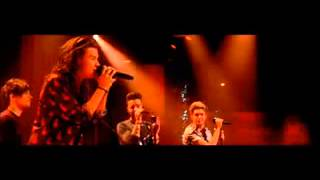 getlinkyoutube.com-One Direction | Drag Me Down | Chatty Man Christmas Special