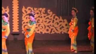 Jepen Lenggang Banua (Tari Tradisional Kalimantan Selatan)