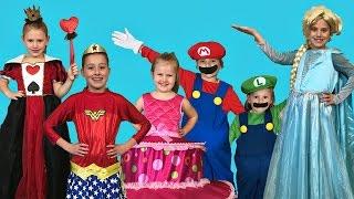 getlinkyoutube.com-FUN KIDS COSTUME RUNWAY SHOW | BEST COSTUMES!