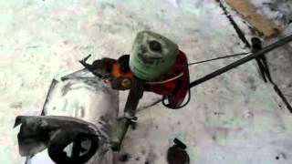 getlinkyoutube.com-Снегоуборщик из бензопилы.mp4