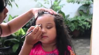 getlinkyoutube.com-Easy Make Up for Little Girl, Cara Mudah Make Up si Kecil