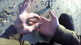 getlinkyoutube.com-METAL DETECTING A GOLD RING ON WW2 BEACH (26) UK