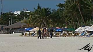 getlinkyoutube.com-Playa Del Carmen Beach Drug Bust - don't be stupid - YouTube HD