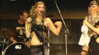 getlinkyoutube.com-Courtney Love Exposes Her Tits (SWU Brazil 13/11/2011) 2