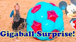 getlinkyoutube.com-WORLDS LARGEST Ball Surprise Gigaball with Paw Patrol + Blaze + Peppa Pig Toys Video