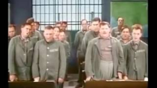 getlinkyoutube.com-Laurel & Hardy Attend Prison-School