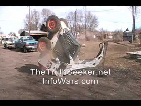 Bobcat Skid Loader Freestyle ~ Stunt Fail ~ Rollover And Landed On Wheels ~ Crazy Operator