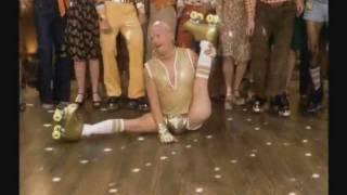 getlinkyoutube.com-Transport 1975 Goldmemeber Roller Skate Scene