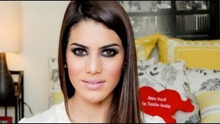 getlinkyoutube.com-Dark and Smoky Eye by Camila Coelho
