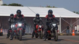getlinkyoutube.com-Honda CB150R Honda Stunt Rider
