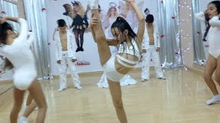 getlinkyoutube.com-Elvana Gjata - Puthe  -  Dance Cover