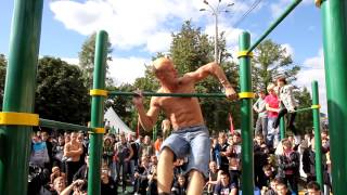 getlinkyoutube.com-Barstarzz in Russia (Calisthenics Tournament)