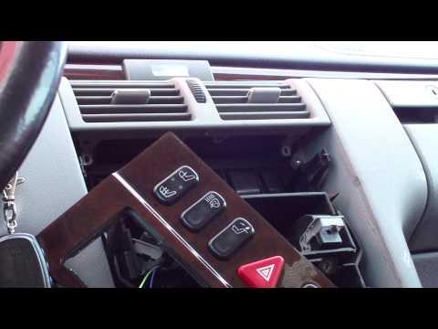 Разборка передней консоли Mercedes W210 Dismantling the front console.
