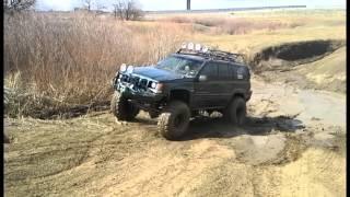 getlinkyoutube.com-Jeep Grand Cherokee in Mud