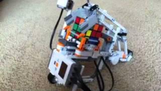 getlinkyoutube.com-Lego Mindstorms Rubiks Cube Solving Robot