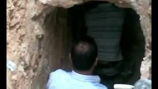 getlinkyoutube.com-اكتشاف مقابر اثرية في بلدة حوارة - الاردن .flv