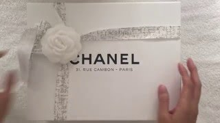 getlinkyoutube.com-Paris Unboxing: CHANEL Classic Flap Bag
