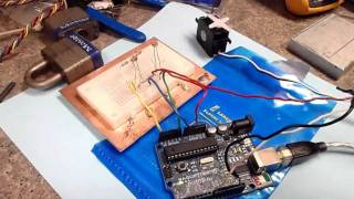 getlinkyoutube.com-Arduino Projects: Solar Tracker [Update]