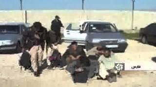 getlinkyoutube.com-Iran 48 Afghan illegal immigrants traveling by 4 cars across Iran roads