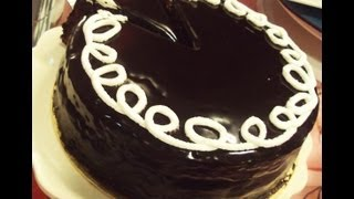 getlinkyoutube.com-تورتة الشوكولاتة المحشية  - منال العالم